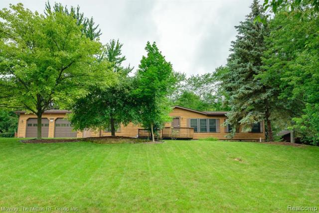 7611 Oliver St, Whitmore Lake, MI 48189 (MLS #R219068233) :: The Toth Team