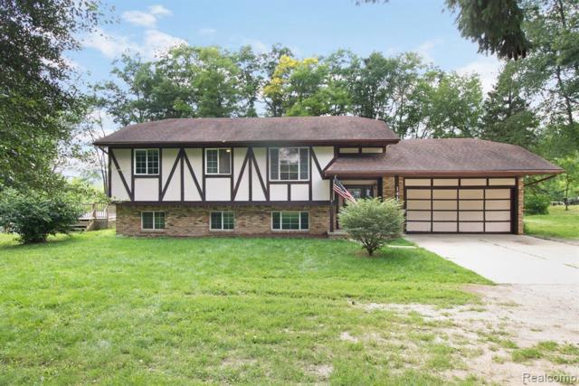 1417 N Latson Road, Howell, MI 48843 (MLS #R219068752) :: The Toth Team