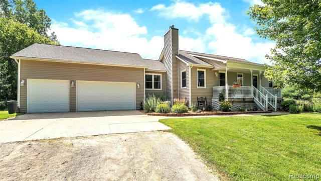 6063 Rivers Edge Dr, Howell, MI 48855 (MLS #R219068854) :: The Toth Team