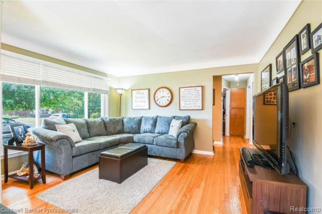 16080 Russell Ave, Allen Park, MI 48101 (MLS #R219069404) :: The Toth Team