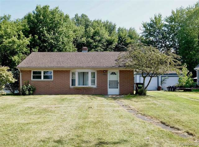 33733 Hooker Rd, Chesterfield, MI 48047 (MLS #R219080038) :: The Toth Team