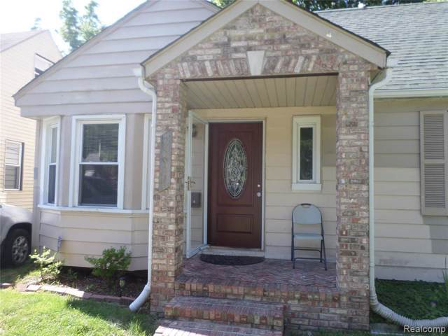 25931 Hanover St, Dearborn Heights, MI 48125 (MLS #R219082824) :: The Toth Team