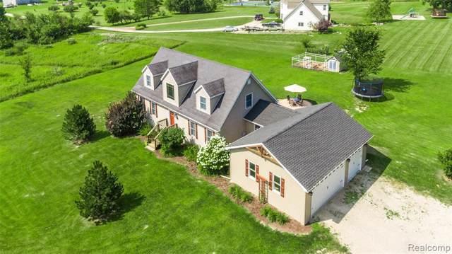9133 Faussett Rd, Fenton, MI 48430 (MLS #R219083379) :: Berkshire Hathaway HomeServices Snyder & Company, Realtors®