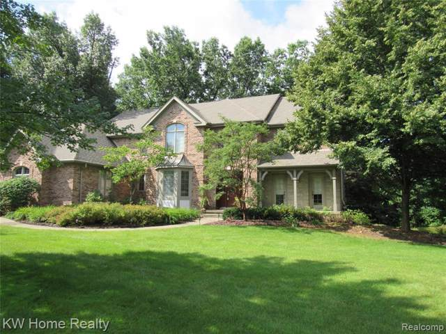 3246 Beach Lake Dr W, Milford, MI 48380 (MLS #R219083517) :: Berkshire Hathaway HomeServices Snyder & Company, Realtors®