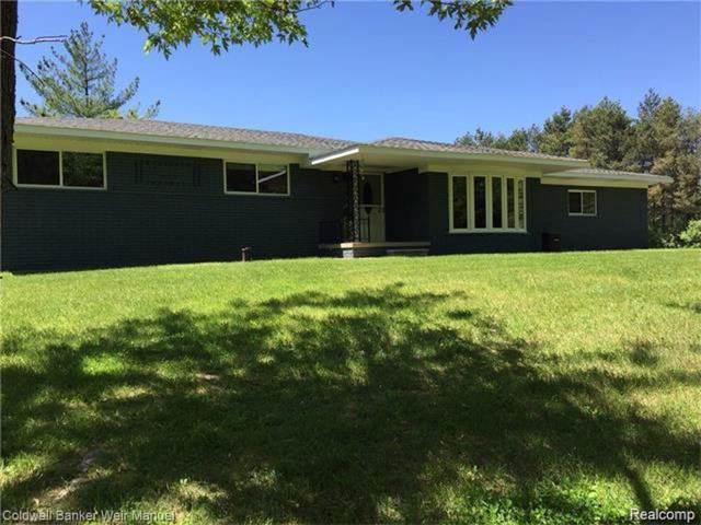 1100 Lockwood Rd, Ortonville, MI 48462 (MLS #R219084815) :: Berkshire Hathaway HomeServices Snyder & Company, Realtors®