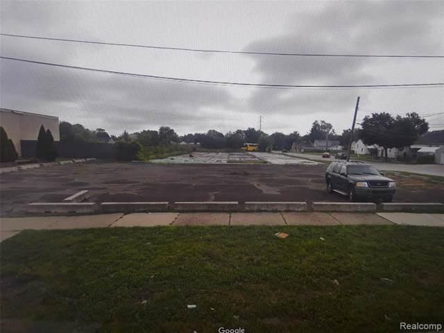 7600 Greenfield Rd, Dearborn, MI 48126 (MLS #R219084880) :: The Toth Team