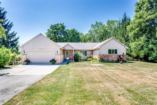 3045 Vincent Rd, Clyde, MI 48049 (MLS #R219085280) :: The Toth Team