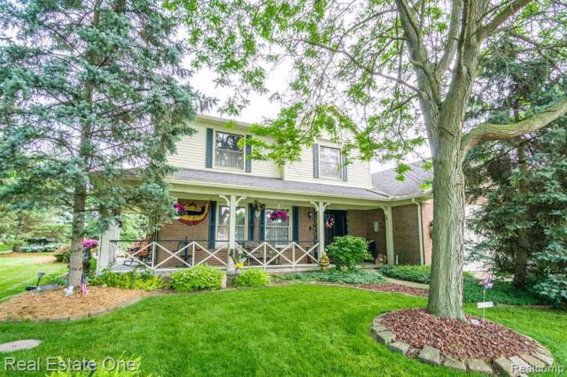 22332 Crestwood St, Woodhaven, MI 48183 (MLS #R219085528) :: Berkshire Hathaway HomeServices Snyder & Company, Realtors®