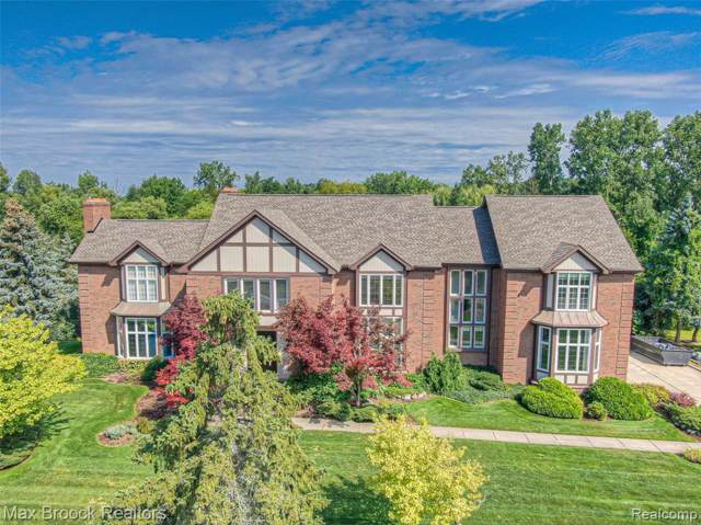 3386 Indian Summer Dr, Bloomfield Hills, MI 48302 (MLS #R219085917) :: The Toth Team