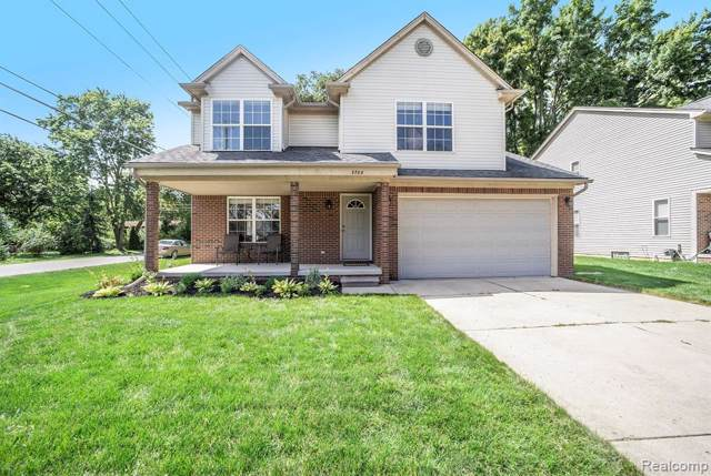 3788 Dearborn Ave, Rochester Hills, MI 48309 (MLS #R219086252) :: The Toth Team