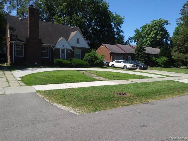 18239 Westover Ave, Southfield, MI 48075 (MLS #R219086733) :: The Toth Team