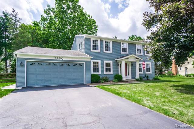 2950 Aldrin Crt, Lake Orion, MI 48360 (MLS #R219086779) :: The Toth Team