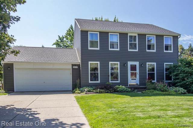 3015 Cedar Key Dr, Lake Orion, MI 48360 (MLS #R219086851) :: The Toth Team