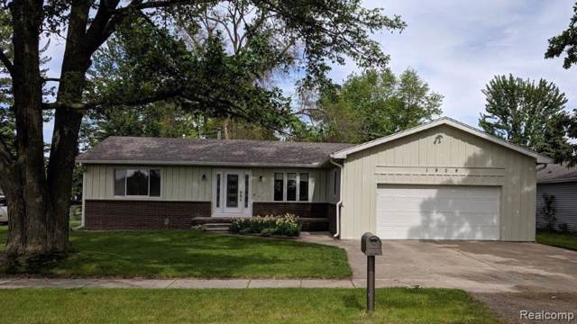 1909 Smith St, Ypsilanti, MI 48198 (MLS #R219087440) :: Tyler Stipe Team | RE/MAX Platinum