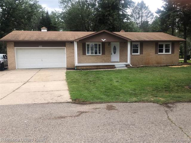 493 Chicago Dr, Howell, MI 48843 (MLS #R219091513) :: Berkshire Hathaway HomeServices Snyder & Company, Realtors®