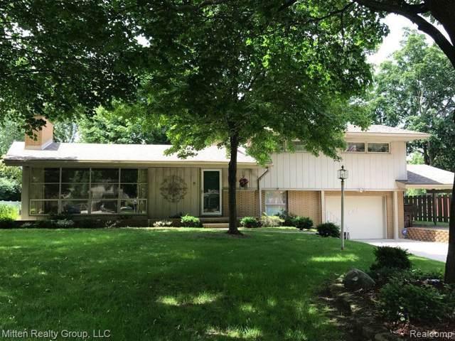 451 Ruff Dr, Monroe, MI 48162 (MLS #R219092349) :: Berkshire Hathaway HomeServices Snyder & Company, Realtors®