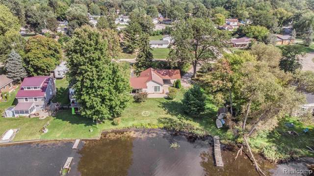 840 Pine Ave, Lake Orion, MI 48362 (MLS #R219093849) :: Berkshire Hathaway HomeServices Snyder & Company, Realtors®