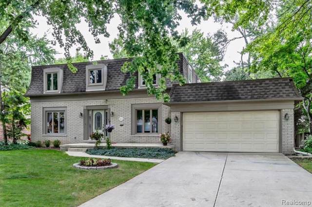1014 Hollywood, Grosse Pointe Woods, MI 48236 (MLS #R219094784) :: Berkshire Hathaway HomeServices Snyder & Company, Realtors®