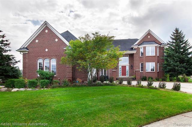 801 Canyon Creek Crt, Rochester Hills, MI 48306 (MLS #R219095009) :: The Toth Team