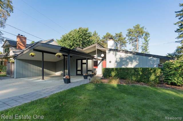 356 Charles Rd, Rochester, MI 48307 (MLS #R219096287) :: The Toth Team