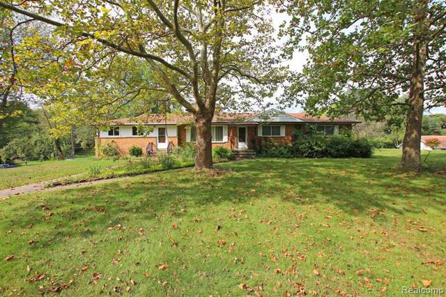 3700 Rohr Rd, Lake Orion, MI 48359 (MLS #R219097041) :: Berkshire Hathaway HomeServices Snyder & Company, Realtors®