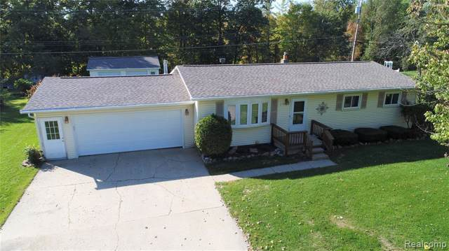2565 Fish Lake Rd, Lapeer, MI 48446 (MLS #R219104783) :: Berkshire Hathaway HomeServices Snyder & Company, Realtors®