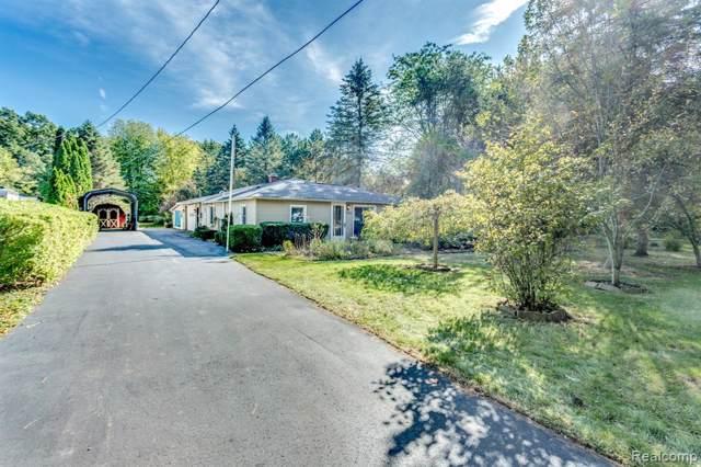 4216 Parker Rd, Fort Gratiot, MI 48059 (MLS #R219105544) :: Berkshire Hathaway HomeServices Snyder & Company, Realtors®