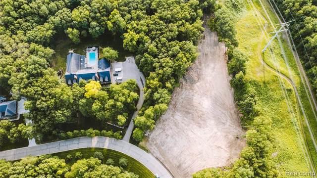 0 Grand Summit Dr, Fenton, MI 48430 (MLS #R219110577) :: Berkshire Hathaway HomeServices Snyder & Company, Realtors®