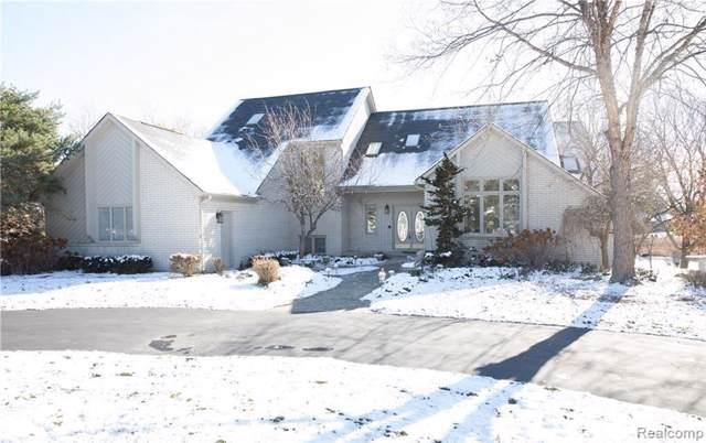 771 Hawksmoore Dr, Clarkston, MI 48348 (MLS #R219115120) :: Berkshire Hathaway HomeServices Snyder & Company, Realtors®