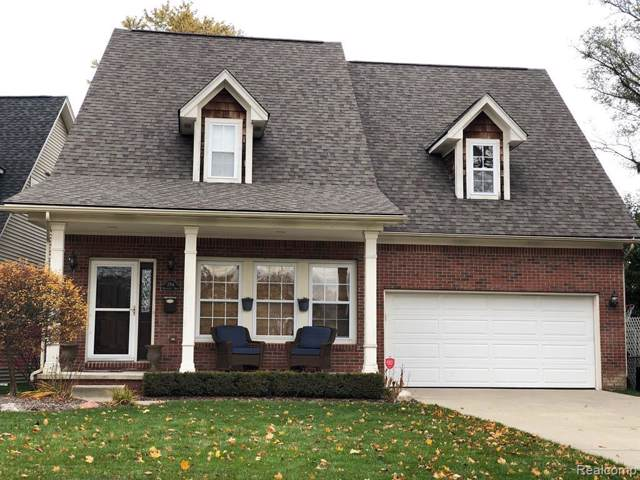 3704 Kensington Dr, Royal Oak, MI 48073 (MLS #R219115298) :: Berkshire Hathaway HomeServices Snyder & Company, Realtors®
