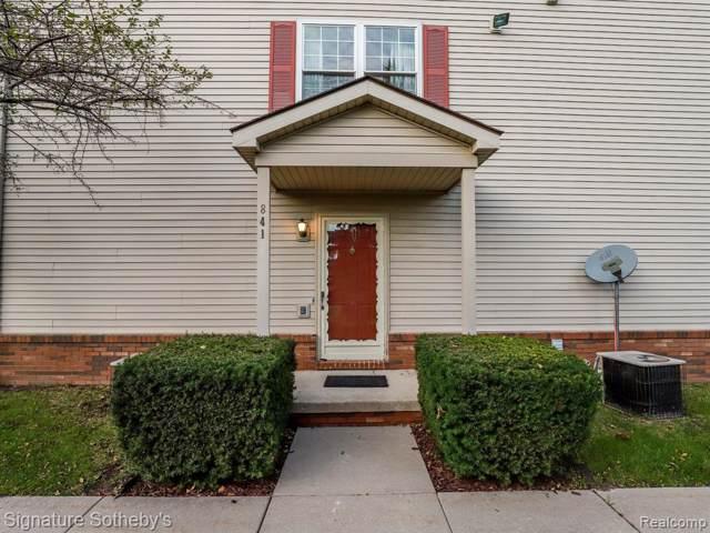 841 Oakwood Dr, Howell, MI 48843 (MLS #R219118405) :: Berkshire Hathaway HomeServices Snyder & Company, Realtors®