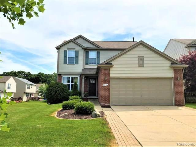 1038 Tudor Ln, Howell, MI 48843 (MLS #R219119555) :: Berkshire Hathaway HomeServices Snyder & Company, Realtors®