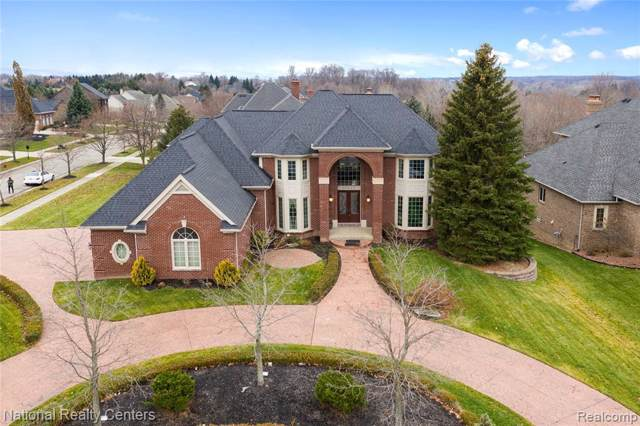 17623 Stonebrook Crt, Northville, MI 48168 (MLS #R219120983) :: Berkshire Hathaway HomeServices Snyder & Company, Realtors®