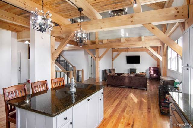 220 N Hayes Rd, Lapeer, MI 48446 (MLS #R219121284) :: Berkshire Hathaway HomeServices Snyder & Company, Realtors®