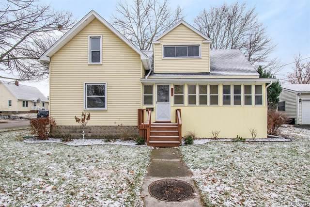 807 W Oregon St, Lapeer, MI 48446 (MLS #R219121388) :: Berkshire Hathaway HomeServices Snyder & Company, Realtors®