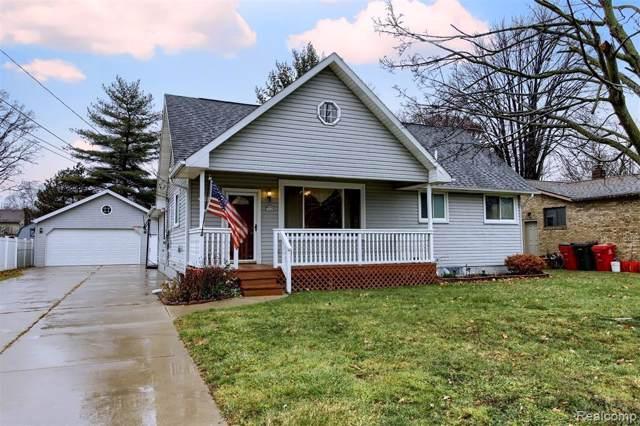 39131 Shoreline Dr, Harrison, MI 48045 (MLS #R219122254) :: Berkshire Hathaway HomeServices Snyder & Company, Realtors®