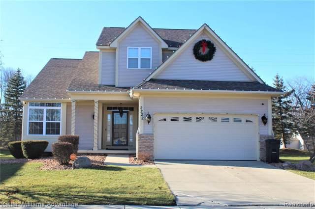 2222 Legacy Dr, Burton, MI 48519 (MLS #R2200001852) :: Berkshire Hathaway HomeServices Snyder & Company, Realtors®