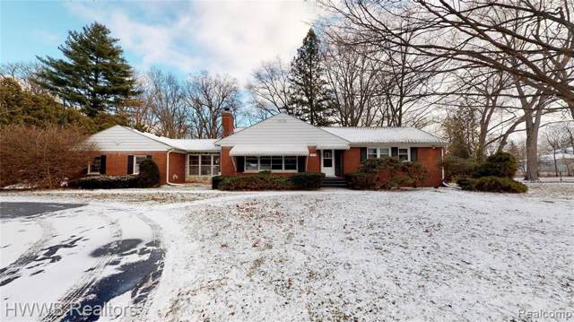 25470 Mulberry Dr, Southfield, MI 48033 (MLS #R2200002887) :: Berkshire Hathaway HomeServices Snyder & Company, Realtors®