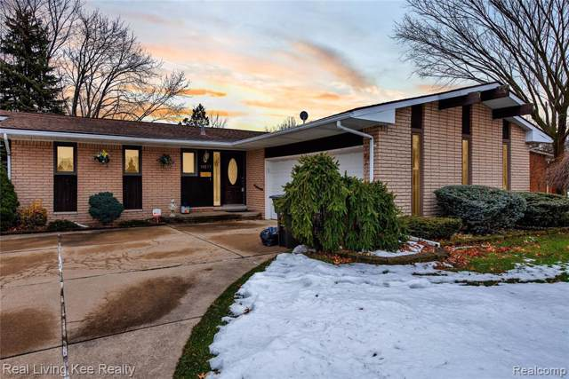 19277 Coventry Dr, Riverview, MI 48193 (MLS #R2200004568) :: Berkshire Hathaway HomeServices Snyder & Company, Realtors®