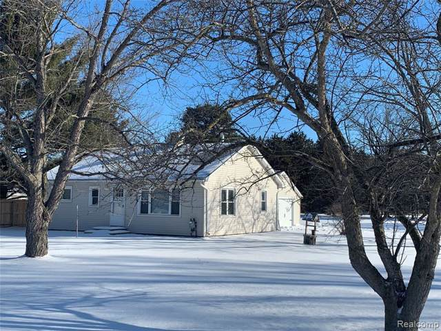 106 Hill Place Dr, Lapeer, MI 48446 (MLS #R2200005408) :: Berkshire Hathaway HomeServices Snyder & Company, Realtors®