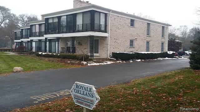 24356 East River Rd # 13, Grosse Ile, MI 48138 (MLS #R2200009756) :: Berkshire Hathaway HomeServices Snyder & Company, Realtors®