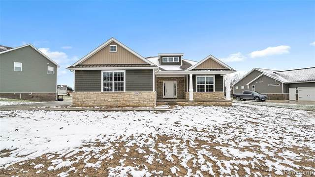 2287 Walnut View Drive, Howell, MI 48843 (MLS #R2200012199) :: Berkshire Hathaway HomeServices Snyder & Company, Realtors®