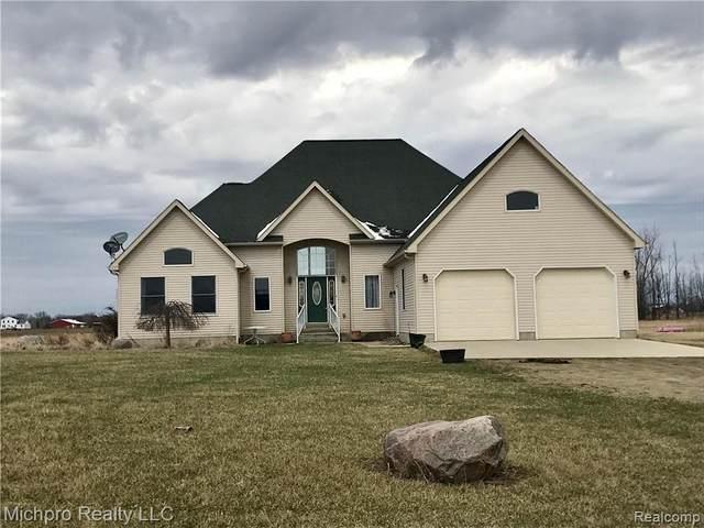 2798 Harrington Rd, Brown City, MI 48416 (MLS #R2200012358) :: Berkshire Hathaway HomeServices Snyder & Company, Realtors®