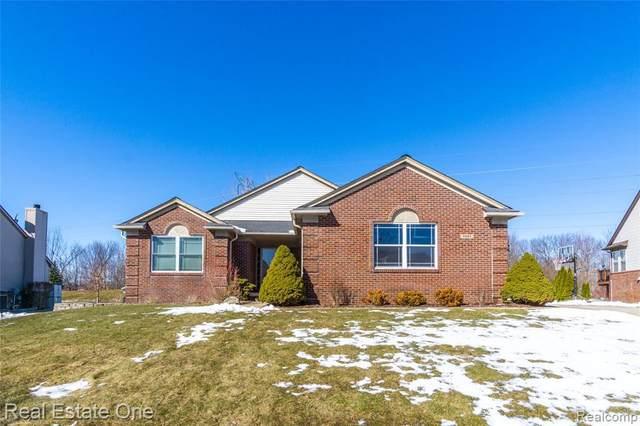4893 Spring Meadow Dr, Clarkston, MI 48348 (MLS #R2200012825) :: Berkshire Hathaway HomeServices Snyder & Company, Realtors®