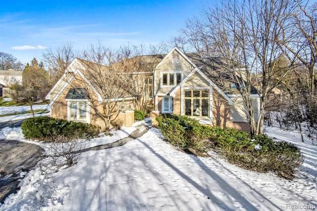 111 Devon Rd, Bloomfield Hills, MI 48302 (MLS #R2200012879) :: Berkshire Hathaway HomeServices Snyder & Company, Realtors®