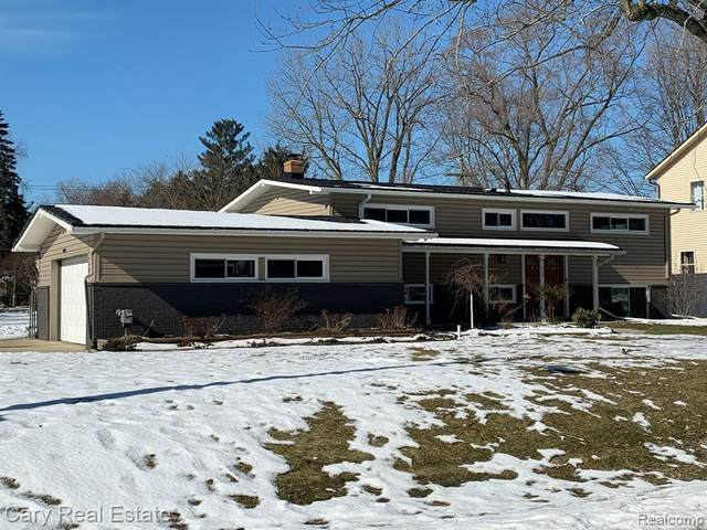 1879 Big Trail Rd, Commerce, MI 48390 (MLS #R2200013729) :: Berkshire Hathaway HomeServices Snyder & Company, Realtors®