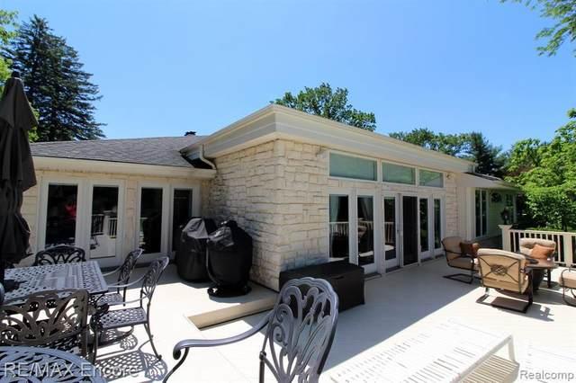 6323 Middle Lake Road, Clarkston, MI 48346 (MLS #R2200014184) :: Berkshire Hathaway HomeServices Snyder & Company, Realtors®