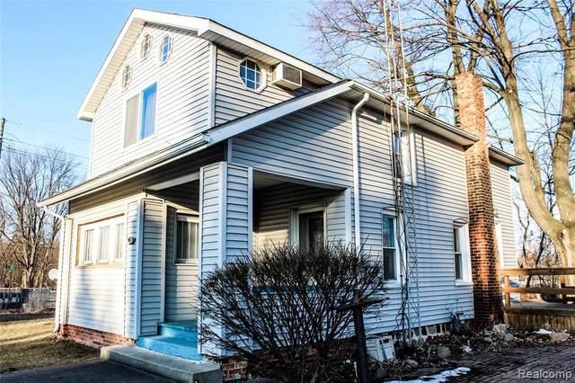 205 Davis St, Croswell, MI 48422 (MLS #R2200014627) :: Berkshire Hathaway HomeServices Snyder & Company, Realtors®