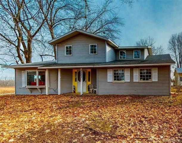 3221 S Plain Rd, Caro, MI 48723 (MLS #R2200015299) :: Berkshire Hathaway HomeServices Snyder & Company, Realtors®