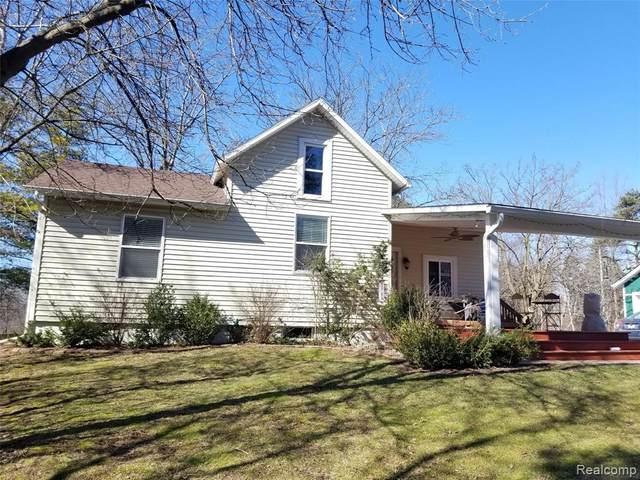 5015 N. Territorial Rd, Ann Arbor, MI 48105 (MLS #R2200019415) :: Berkshire Hathaway HomeServices Snyder & Company, Realtors®